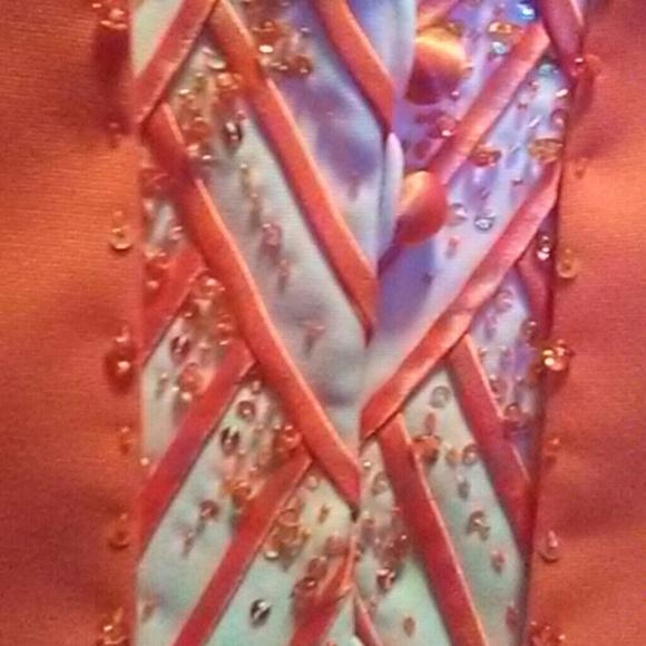 1154 Lill Studio Accessories - Ladies orange suit